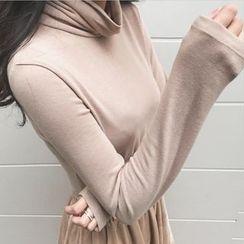 Tiny Times - Plain Turtleneck Long Sleeve T-Shirt