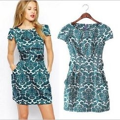 Saranghae - Patterned Short-Sleeve Sheath Dress