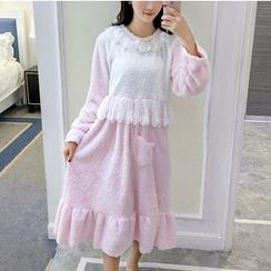 Clover Dream - Lace Panel Pajama Dress