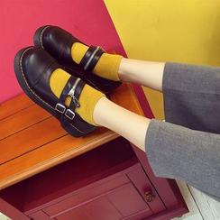 Wello - 飾扣平跟鞋