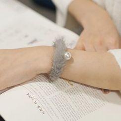 Ticoo - Furry Bracelet