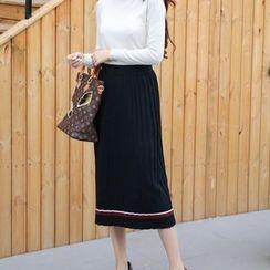 Amizi - Pleated Knit Skirt