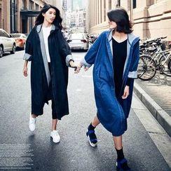 Clair Fashion - 韩版宽松连帽长款牛仔外套