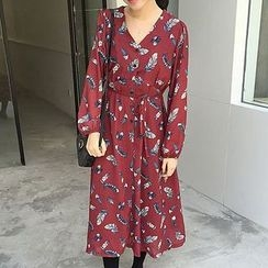 Cloud Nine - Print V-neck Long-Sleeve Dress