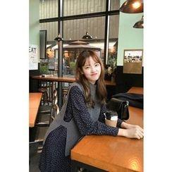 CHERRYKOKO - Mock-Neck Sleeveless Wool Blend Knit Top