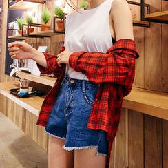 chuu - Cutout-Hem Washed Denim Shorts