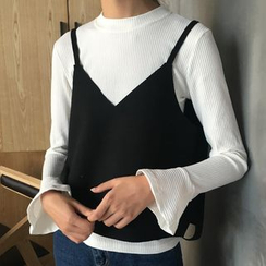 MATO - Set: Flare Cuff Long Sleeve T-Shirt + Camisole Top