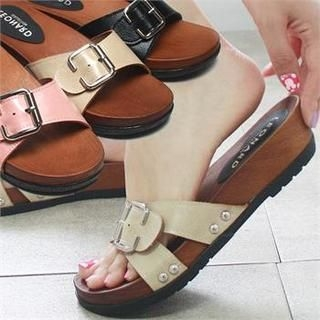 Reneve - Buckled Genuine Leather Slippers