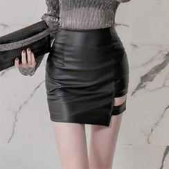 Yilda - 仿皮迷你裙