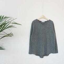 STYLEBYYAM - V-Neck Asymmetric-Hem T-Shirt