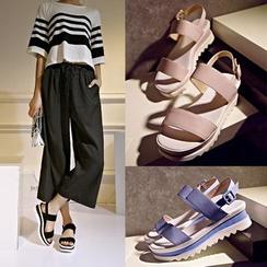 Kireina - Wedge Sandals