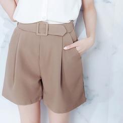 Tokyo Fashion - Buckled Shorts