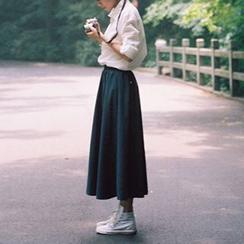 Miss Kekeli - Plain Pleated Maxi Skirt