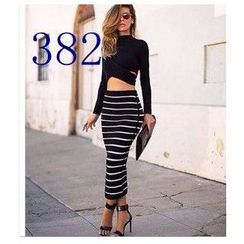 Persephone - Set: Long-Sleeve Cropped Top + Striped Maxi Skirt
