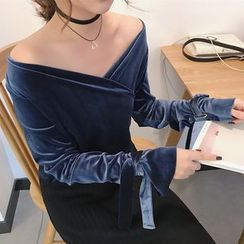 Shopherd - Off-Shoulder V-Neck Velvet Long-Sleeve Top