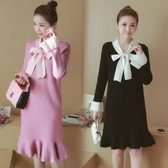 Munai - Long-Sleeve Tie-Neck Knit Dress