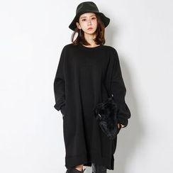 FASHION DIVA - Pocket-Side Pullover Dress