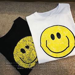 Maymaylu Dreams - Smiley Print Crewneck T-Shirt