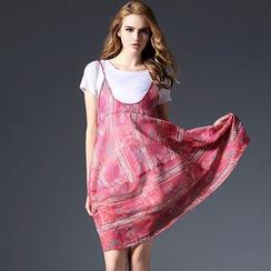 欧依潮派 - 套装:T恤 + 图案沙滩裙