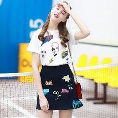 Romantica - 套装: 短袖印花T恤 + 刺绣A字短裙