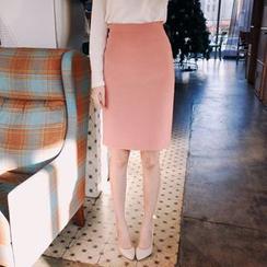 Cherryville - Zip-Back Pencil Skirt