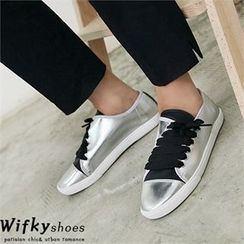 Wifky - Diagonal Lace-Up Sneakers