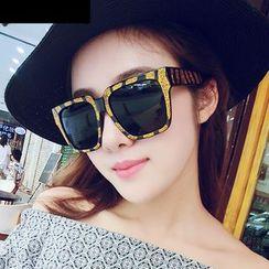 MOL Girl - Square Sunglasses