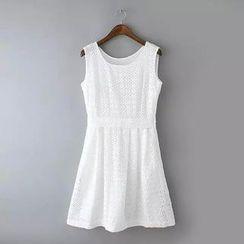 Ainvyi - Eyelet Lace Sleeveless A-Line Dress