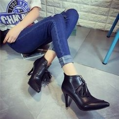 Yoflap - Tasseled Pointed Heeled Ankle Boots
