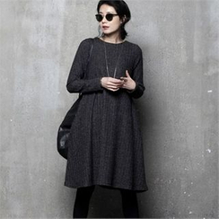 HALUMAYBE - Pocket-Side Rib-Knit Dress