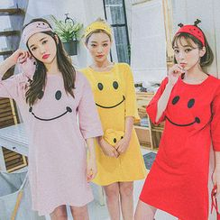 chuu - Pajama Set: Smile T-Shirt Dress + Eye Mask + Pouch
