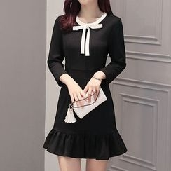 Lavogo - Bow Accent 3/4 Sleeve Dress