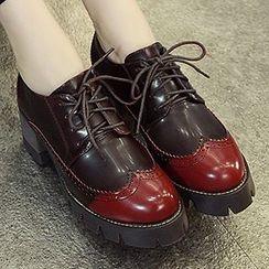 Mancienne - Patent Gradient Heel Oxford Pumps
