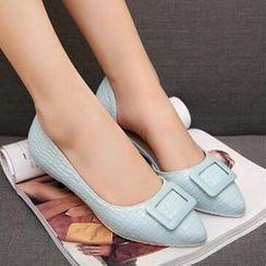 Tomma - 釦子壓紋平跟鞋