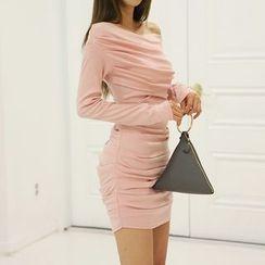 DABAGIRL - Off-Shoulder Shirred Bodycon Dress