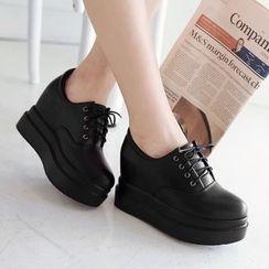 TULASI - Lace-Up Platform Shoes