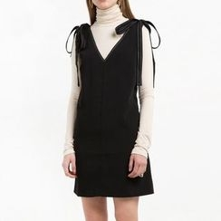 Richcoco - V-neck Bow Open Back Dress