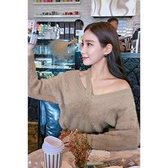 migunstyle - Cutout-Front Furry-Knit Top