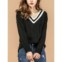 LOLOten - Contrast V-Neck Dip-Back Knit Top