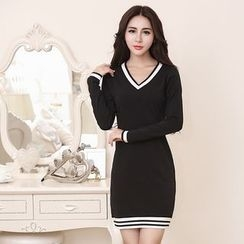 Yvette - V-Neck Long-Sleeve Sheath Dress