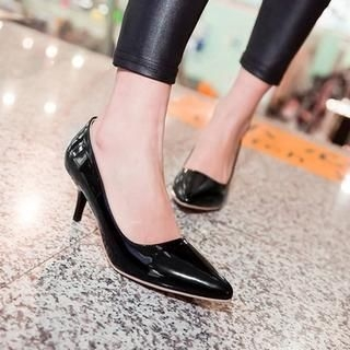 TBR - Patent Pointy Pumps