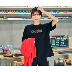 HOTPING - Round-Neck Lettering T-Shirt