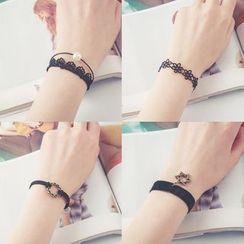 Persinette - Drop Lace Bracelet