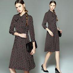 Queen Mulock - Tie-Neck Printed Midi Dress