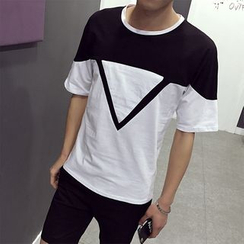 Besto - Contrast Color Triangle Print Short Sleeve T-Shirt