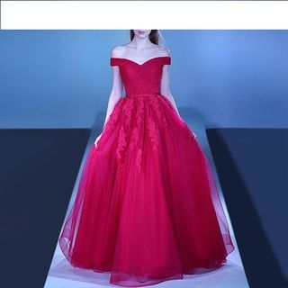 Royal Style - Off-Shoulder Lace Appliqué Ball Gown