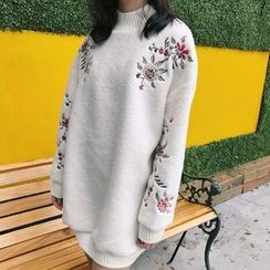 Bloombloom - Embroidered Long Sweatshirt