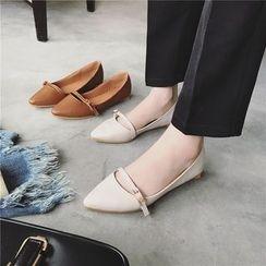 時尚麥樂 - 仿皮尖頭平跟鞋