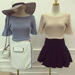 Octavia - Ruffle Short-Sleeve Knit Top