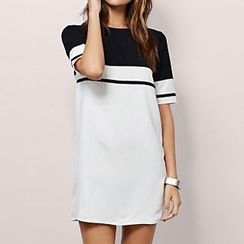 Richcoco - Contrast Panel Short-Sleeve Dress
